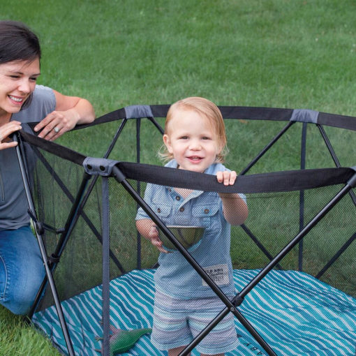 go-with-me-haven-portable-play-yard-bag-lifestyle-outdoor